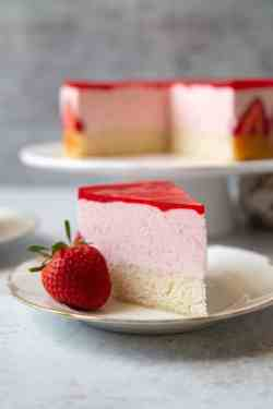 Great Strawberry Mousse Cake Strata Recipe Dishmaps Strawberry Mousse Cake Paul Hollywood Strawberry Mousse Cake Filling