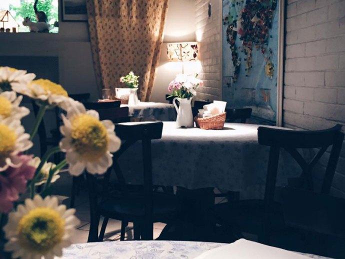 Teplo-restaurant-ristorante-Saint-petersburg-San-Pietroburgo-Russia-Photo-credit-by-Thelostavocado-(1)