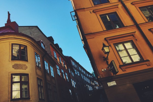 Gamla-Stan-Stoccolma-Svezia-Photo-credit-by-Thelostavocado.com