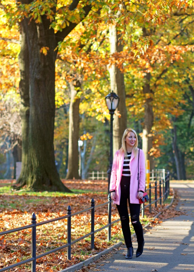 Fall-outfit-pink-coat-central-park