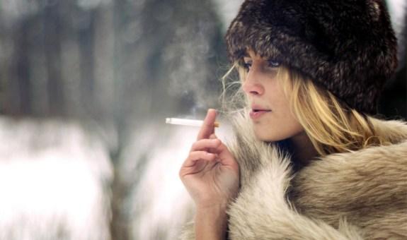 El arte de fumar en invierno (y no congelarse en el intento)