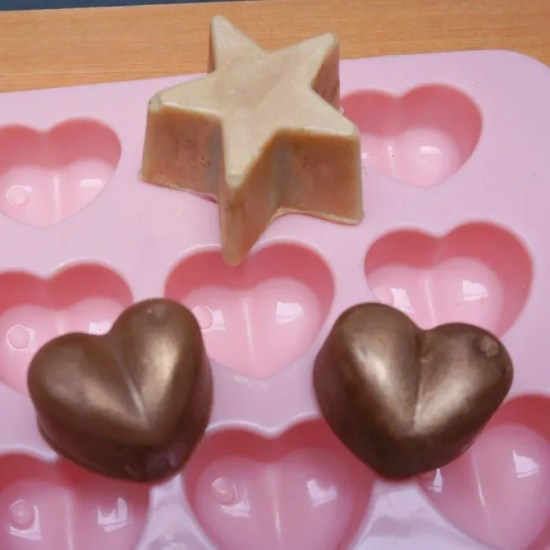 DUPE LUSH Glitter Lotion Bars - Shimmy Shimmy & black Stockings   A DIY by The Makeup Dummy