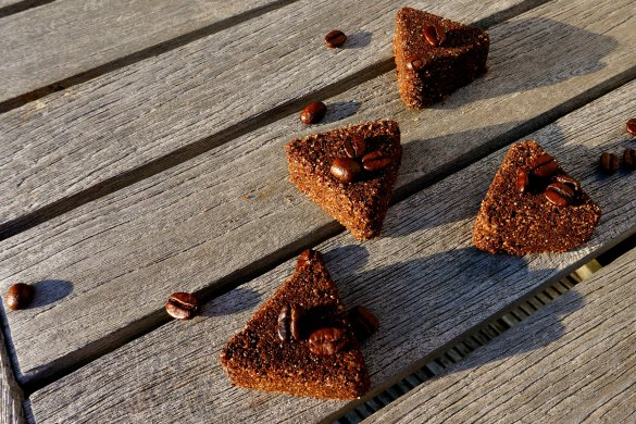DIY Anti cellulite coffee scrub bars