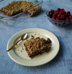 Raspberry and blueberry seeds and oats bars. Recipe without refined sugars! Tutorial by The Makeup Dummy