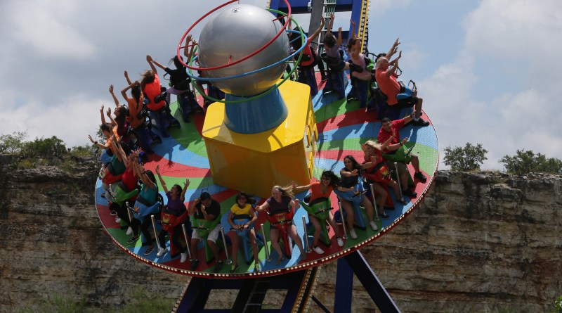 Six Flags St. Louis Announces 'Spinsanity' for 2017
