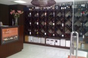 Grado Unico, a new wine store specializing in Mexican wine in Mexico City's Zona Rosa neighborhood