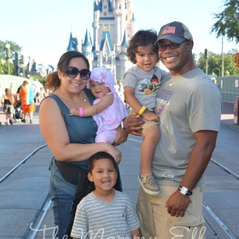 Mi Familia en Disney's Magic Kingdom