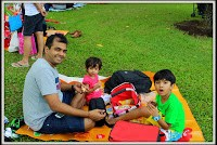 http://www.themumsandbabies.com/2015/01/sg50-family-picnic-istana_5/