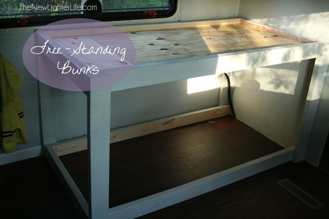 freestanding-camper-bunks