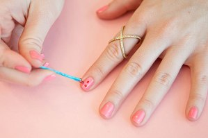 "<img src=""http://www.thenextrex.com/wp-content/uploads/2015/04/Creative-Ways-to-Use-Bobby-Pins-19.jpg"" alt=""nail art using bobby pins"">"