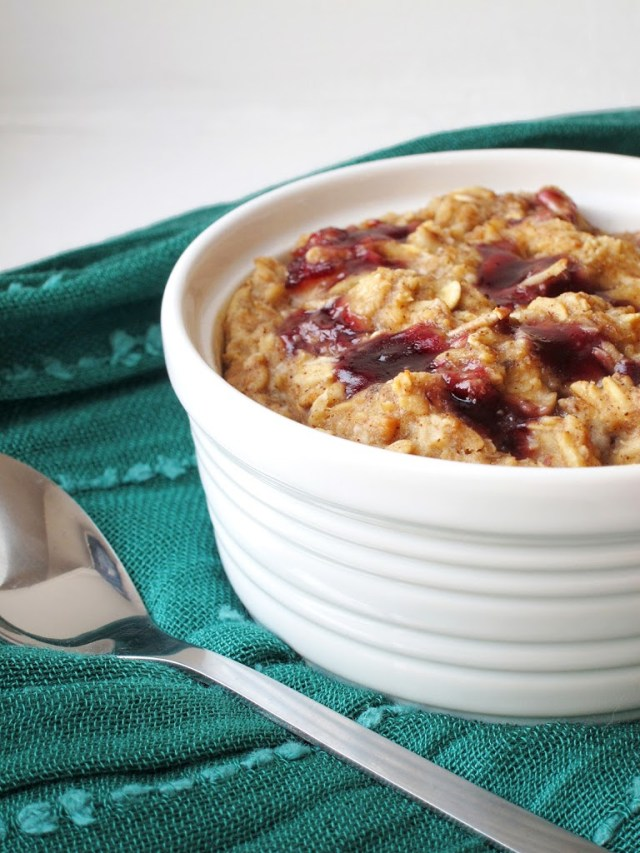 pb-and-j-baked-oatmeal-252810-2529b
