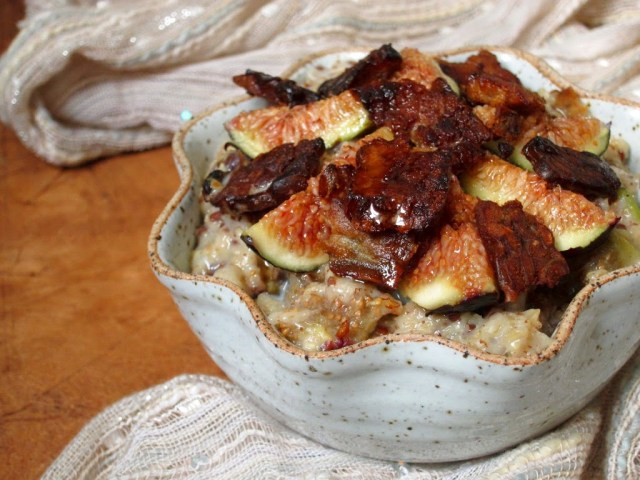 maple-bacon-oatmeal-with-figs-25284-2529