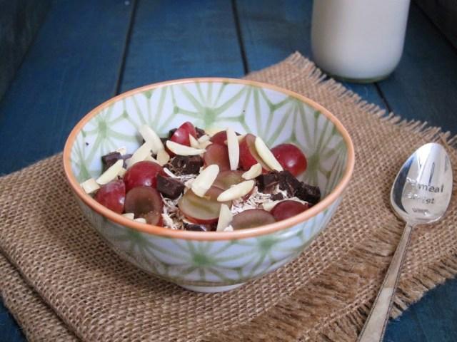 grape-chocolate-muesli-2-