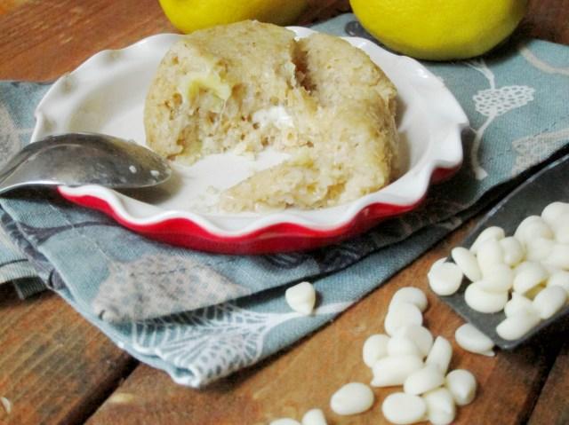 Lemon White Chocolate Lava Baked Oatmeal #oatmealartist