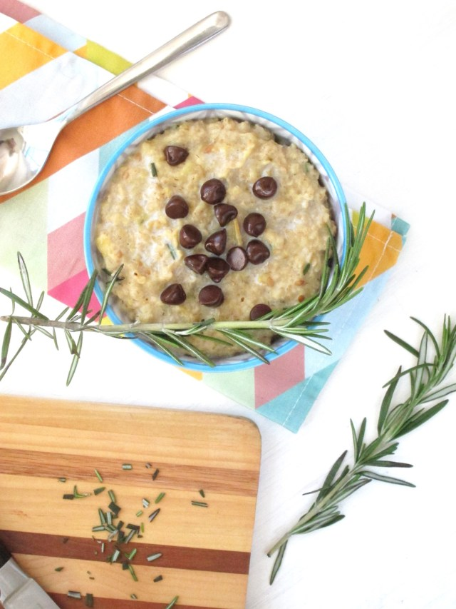 Rosemary Chocolate Chip Oatmeal #vegan #oatmealartist
