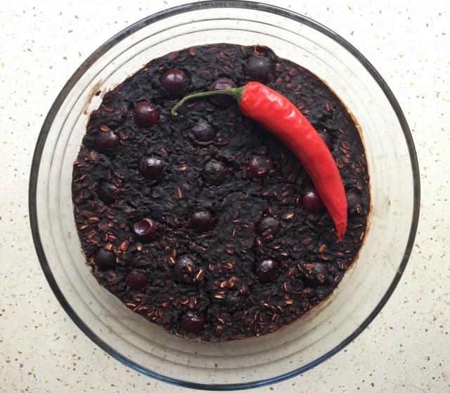 Cherry Chili Brownie Baked Oatmeal | A Guest Post by Katarzyna #oatmealartist #vegan