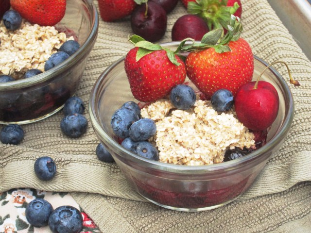 Cherry-Berry Breakfast Cobbler by the Oatmeal Artist #vegan