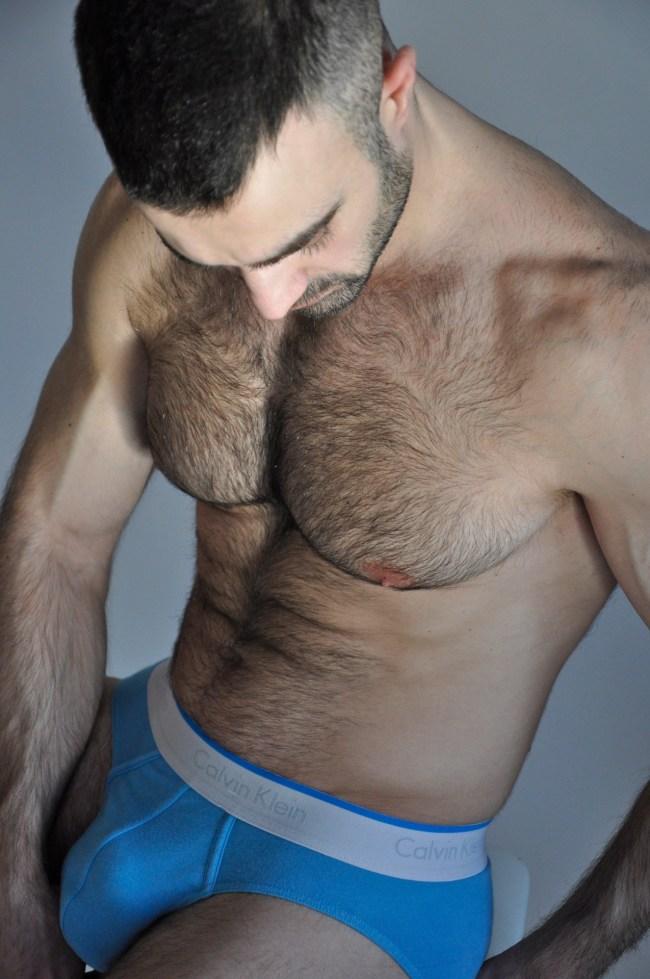 mec muscle poilu superbes courbes