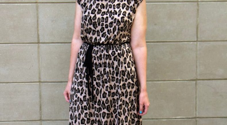 leopard-print-dress-blue-hair-vacation-02
