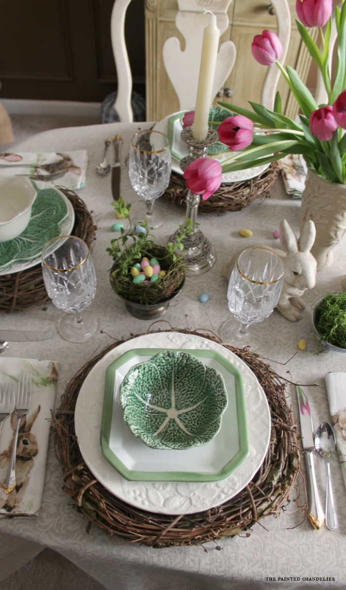 closeup-cabbage-bowl-on-grapevine-wreath-setting-easter-table
