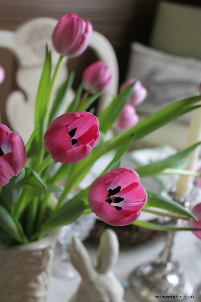 closeup-pink-tulips-in-cream-vase-easter-table