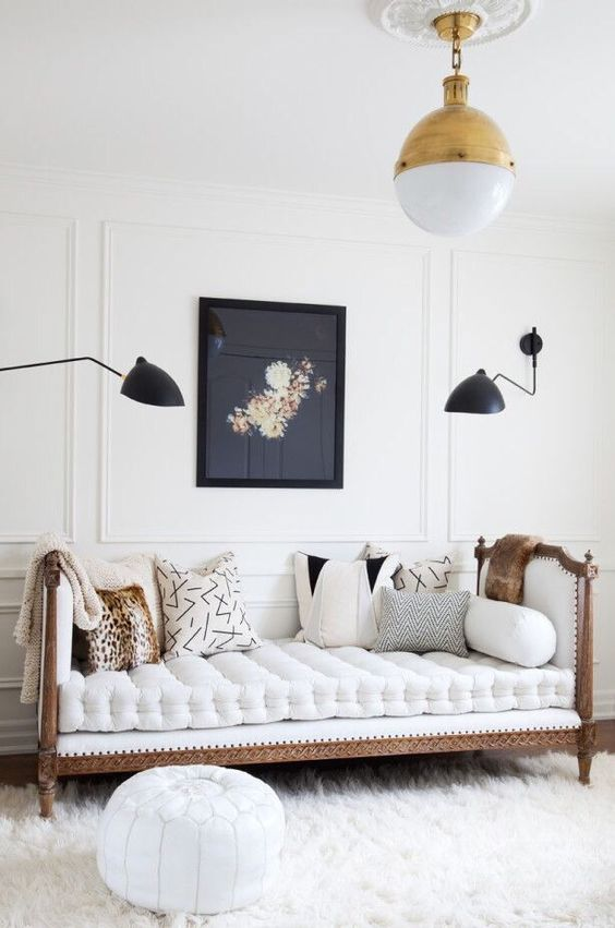 antique-daybed-modern-decor