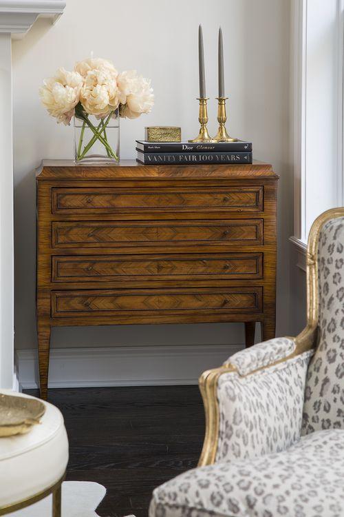 antique-chest-leopard-chair