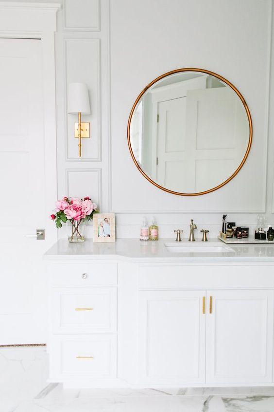 bathroom picture frame feminine