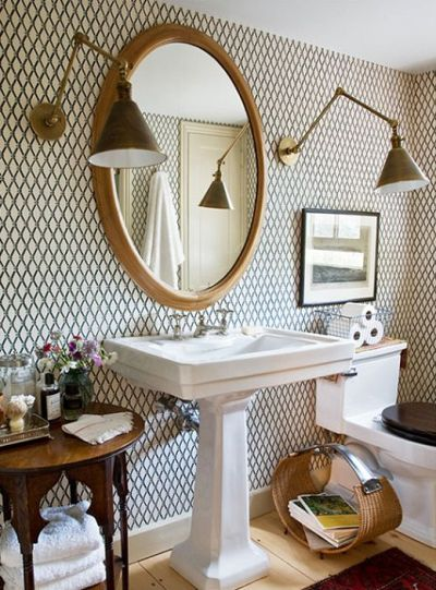 25 Chic Ways To Use Wallpaper In A Guest Bathroom