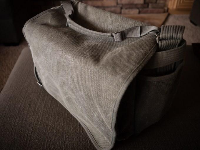 The Think Tank Retrospective 40 Shoulder Bag - Rear Bag Strap Handle