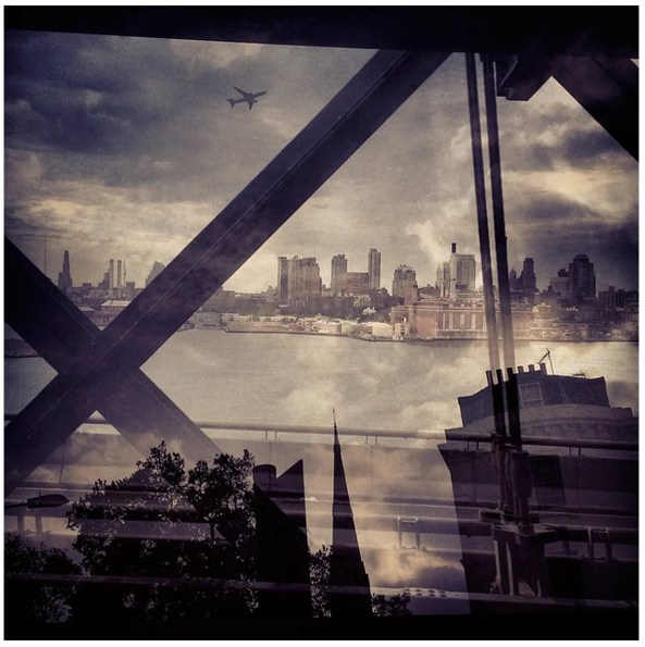Daniella Zalcman's New York and London Juxtaposition Photos (12 of 13)