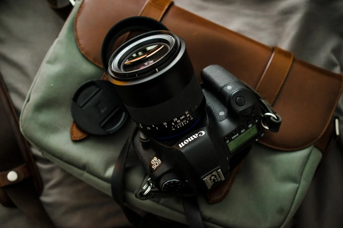 Chris Gampat The Phoblographer Zeiss 50mm f1.4 Milvus lens review product images (6 of 8)ISO 4001-200 sec at f - 4.0