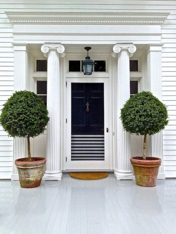 Aerin Lauder Hamptons front door