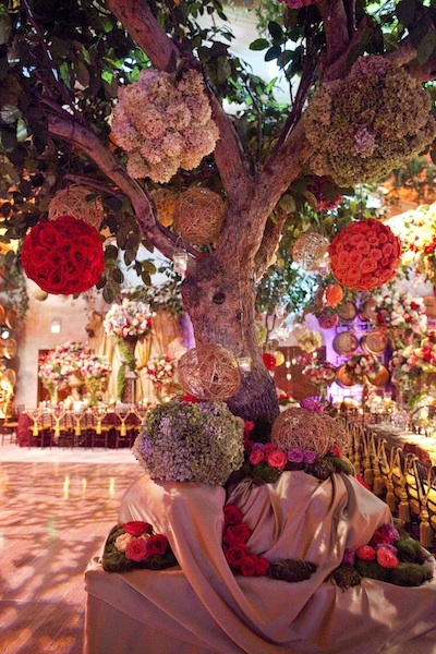 Flower Balls via David Tutera
