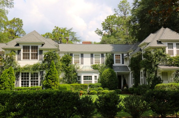 House with lush lanscaping in Pinehurst