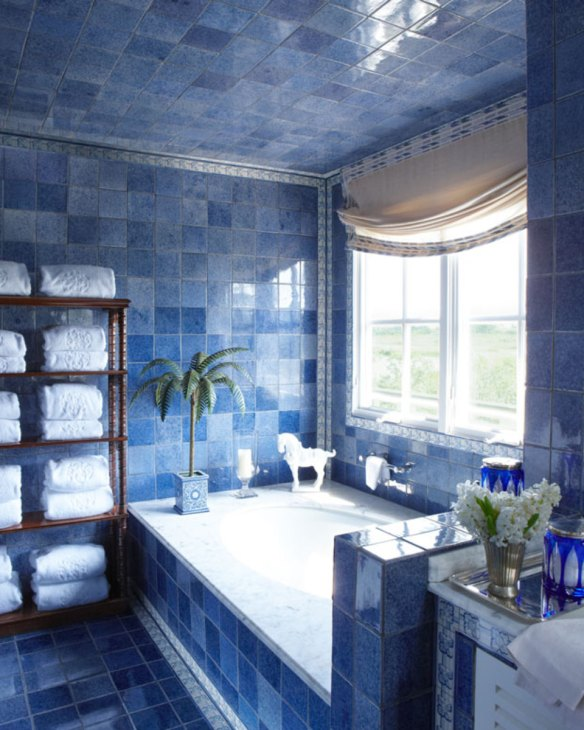 Kelli Ford Southampton Bathroom via Veranda
