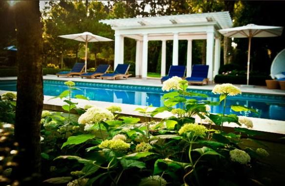 Nashville Boxwood Landscape 9 via Stylish Home