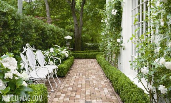 Garden at Greenway Parks home of Shannon Bowers via Milieu Mag