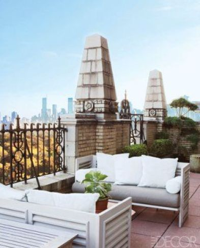 Manhattan Patio by John Saladino via Elle Decor