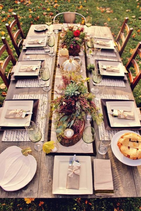 Outdoor Thanksgiving tablescape via The Sweet Occasion