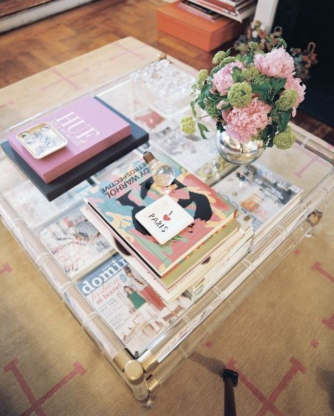 Coffee table area by Elizabeth Bauer via Lonny