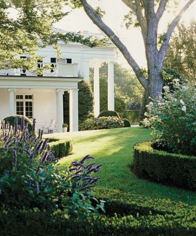 My favorite columns at Aerin Lauders Hampton home via ELle Decor