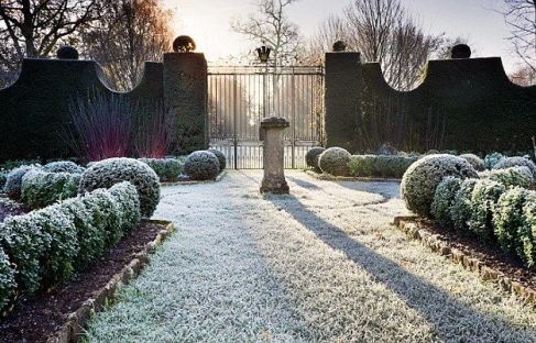 Prince Charles Highgrove Garden via Daily Mail