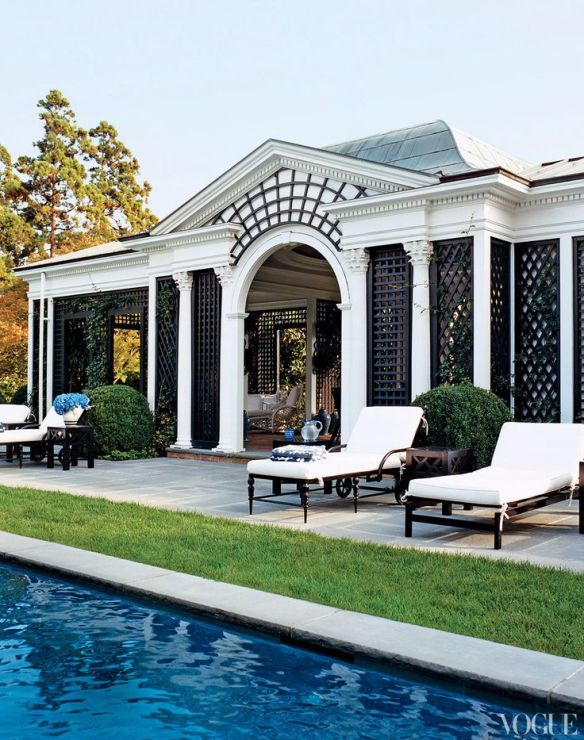 Tory Burch pool house in Southampton