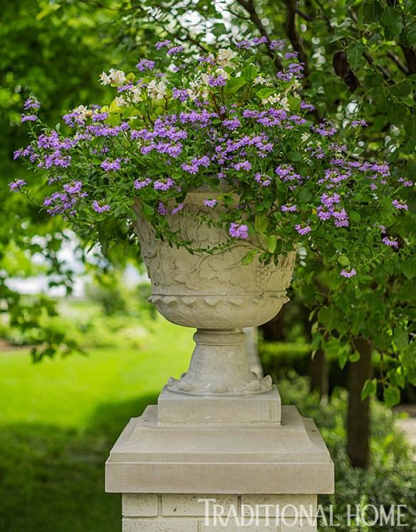 Douglas Hoerr designed garden via Traditional Home 14