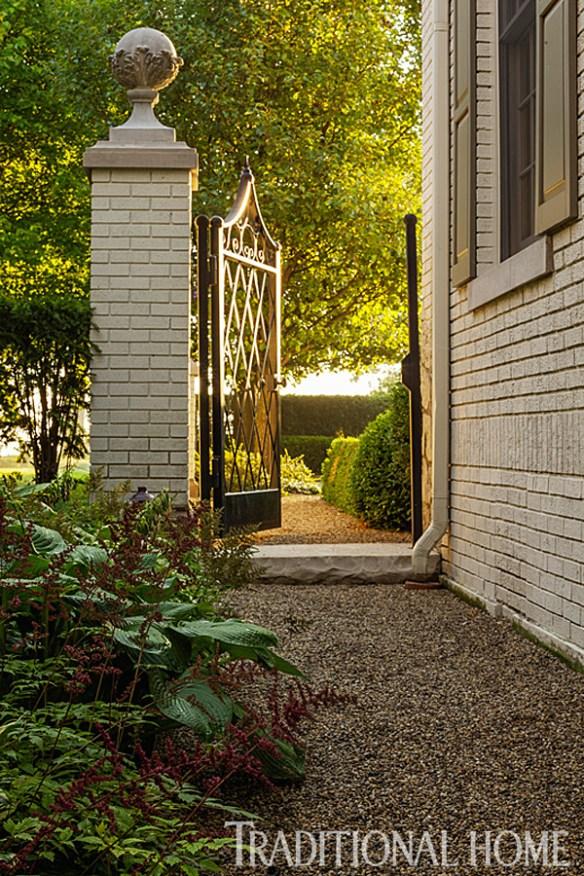 Douglas Hoerr designed garden via Traditional Home 3
