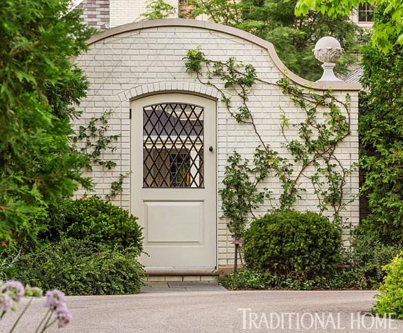 Douglas Hoerr designed garden via Traditional Home 9