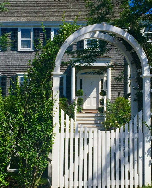 Nantucket Architecture _The Potted Boxwood 43