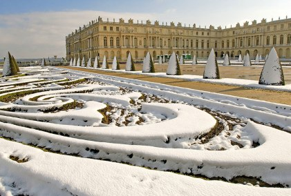 Snow in Versailles via AD
