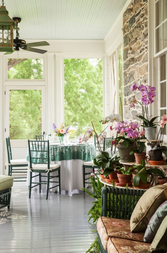 Elizabeth Locke Gardens via Veranda 3